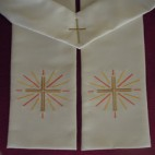 Cross with Light Bursts Clergy Stole